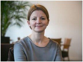 """Knygos """"Lyderystė"""" bendraautorė Alisa Miniotaitė: """"Viešo kalbėjimo įgūdžiai padeda lyderystėje"""""""