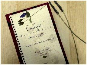"""Knygos apžvalga (Žinių radijas). """"Emilijos dienoraštis. 1942-2015"""" – mokytojos užrašytas vienos epochos liudijimas"""