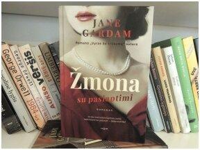 """Knygos recenzija (Mažvydas Karalius). Jane Gardam """"Žmona su paslaptimi"""" – gyventi du gyvenimus"""