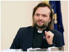 """Naują knygą išleidusio kunigo A.Toliato palinkėjimai: """"Kiek daug tarp mūsų nematomų šventųjų"""""""