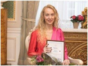 """Vertėjo krėslo premijos laureatė L.Laurušaitė: """"Jaučiuosi lyg nuo taburetės persėdusi į krėslą"""""""