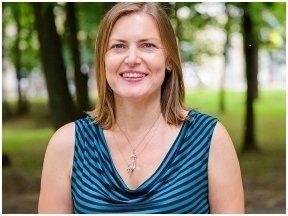 Rašytoja L. Neverbickienė-Ever: ėjimas Dailininkų keliu yra meditacija