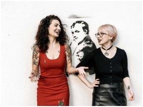 Dvi menininkės – apie moteris, sukėlusias proveržį politikos, kultūros, kulinarijos, muzikos ir literatūros srityse
