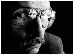 """Garsiausias Ričardo Gavelio romanas """"Vilniaus pokeris"""" perleistas šeštą kartą"""