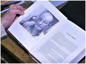 Knygą apie Arūną Žebriūną rašė dešimtmetį: režisierius provokavo, reikalavo išsilaisvinti iš klišių