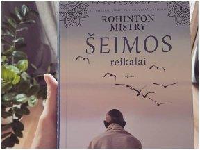 """Rohinton Mistry """"Šeimos reikalai"""" – vienas geriausių pastaruoju metu skaitytų romanų"""